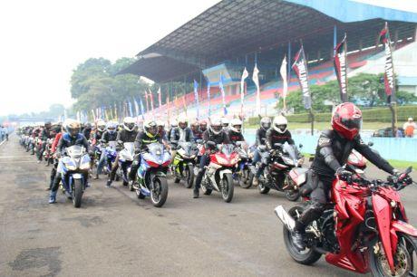 Victory lap 1.000 V-Ixion memeriahkan Yamaha Sunday Race (2)