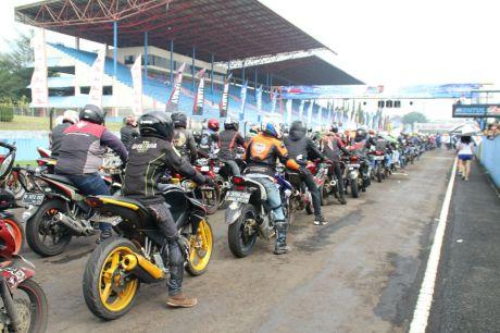 Victory lap 1.000 V-Ixion memeriahkan Yamaha Sunday Race (3)